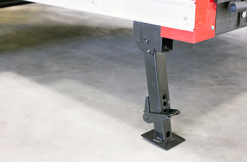 Fold-Down Stabilizer Jacks