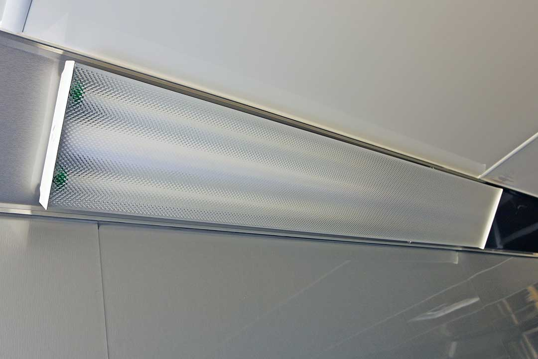 4' 110V Fluorescent Lights with Diffuser (2)