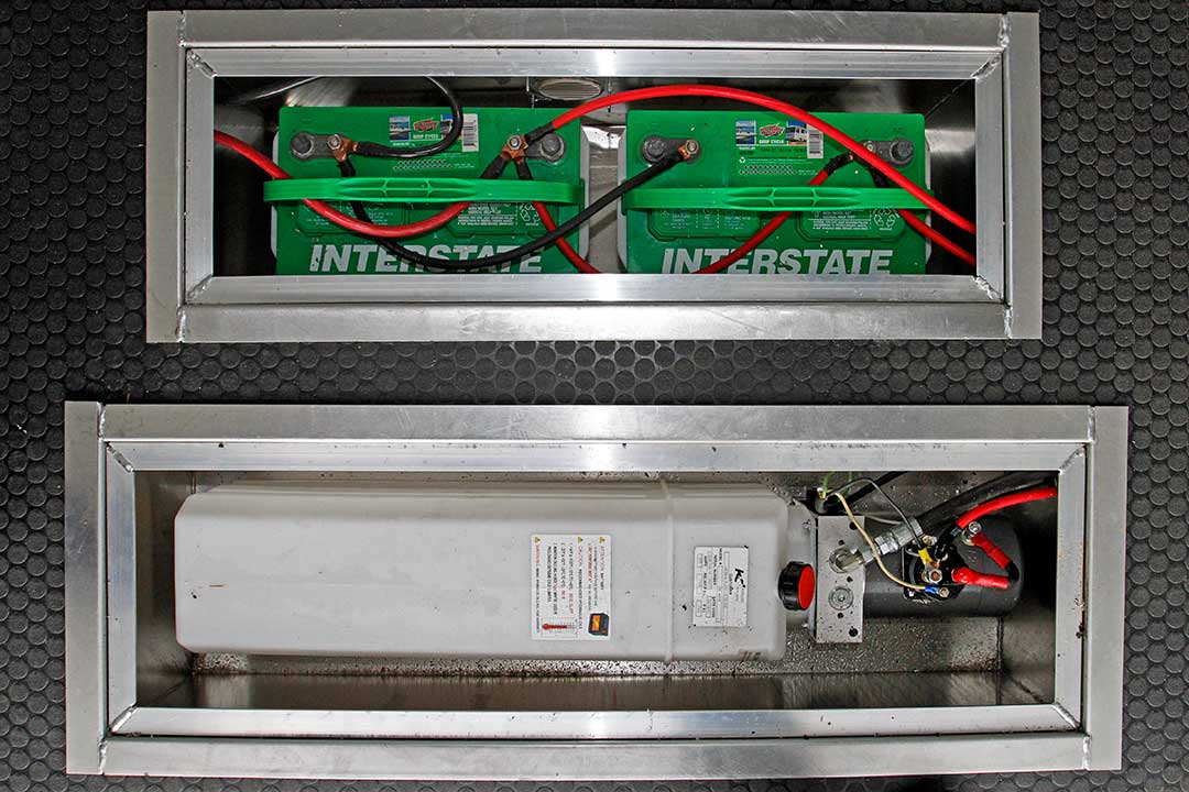Marine Battery with Vented Interior Floor Mount Battery Box